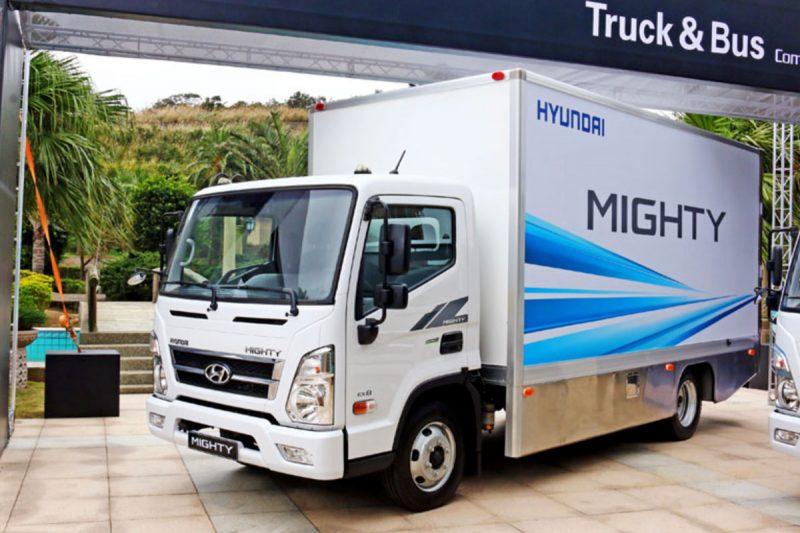 Hyundai EX8 - промтоварний фургон