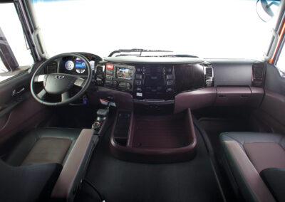 40P_MAXIMUS Dashboard & Large Center Console